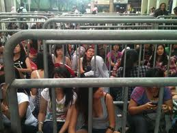 bugis stalkers barricades