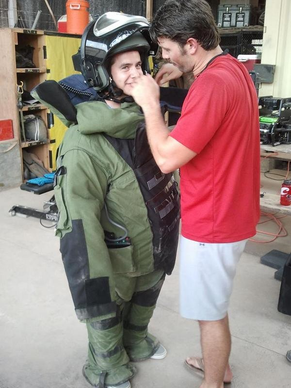 david helped with army suit